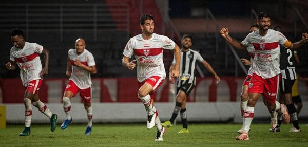 Série B: CRB vira para cima do Botafogo e entra no G4