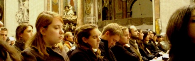 Aburrimiento en la iglesia