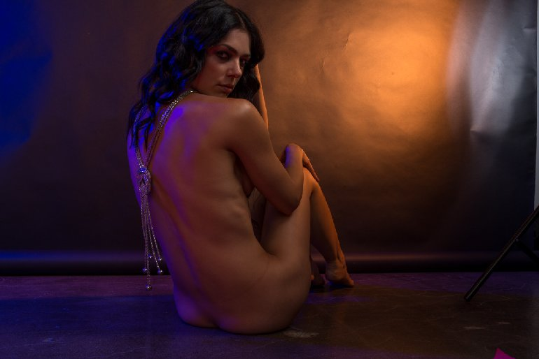Adrienne Curry Nude iCloud Hacked Leaked Photos