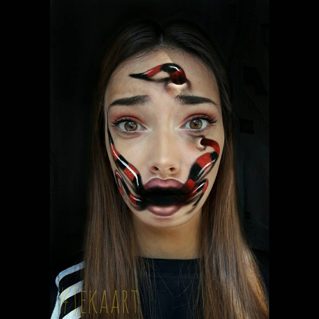 11-Tea-Popović-Body-Paint-Artistic-Transformations-www-designstack-co