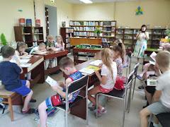 Дети читают школьный лагерь Усмішка НВК № 59 бібліотека-філія №4 М.Дніпро