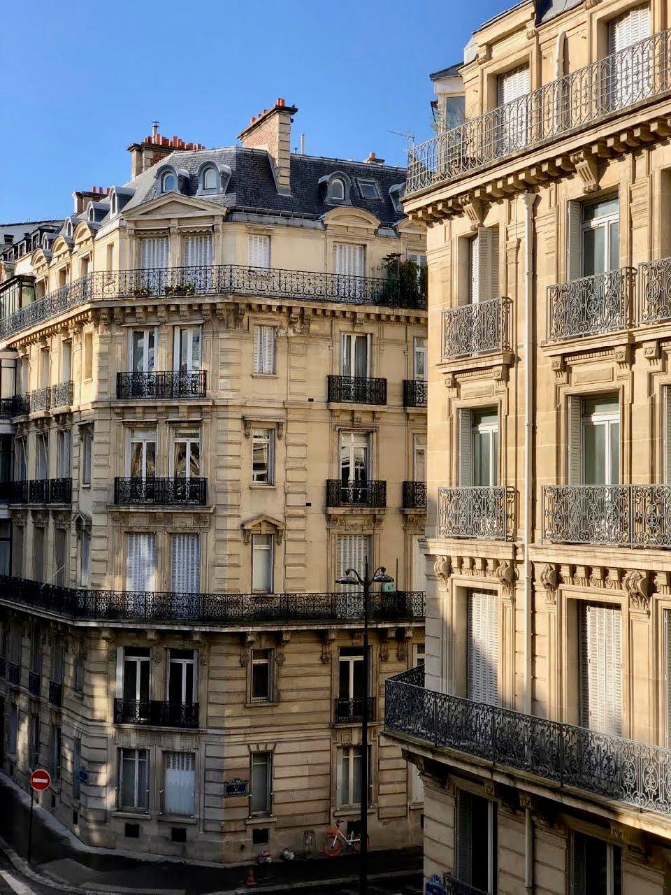 Architecture Love in Paris
