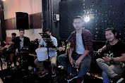 Band D'endroom Tampil Hibur Pengunjung Caffe Caucoffe di Depok