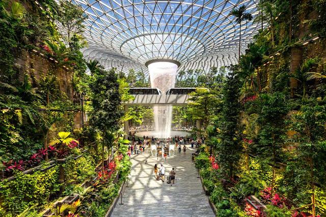 Nội thất ấn tượng của công trình Jewel Changi Airport, Singapore
