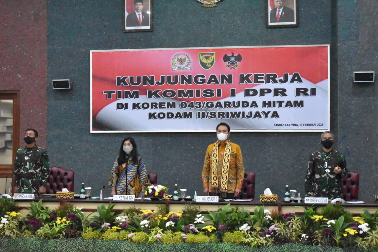 Pangdam IISwj dan Danrem 043Gatam Sambut Kunjungan Kerja Anggota Komisi I DPR RI  Di Makorem 043Gatam.