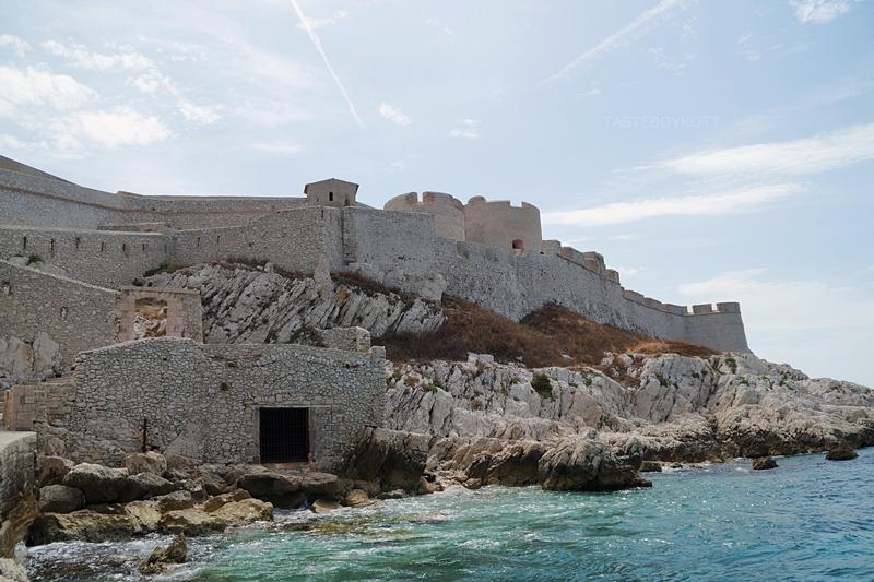 Chateau d'If Gefängnisinsel Marseille Ausflugstipp im Sommer // Prison Island Chateau d'If Marseille