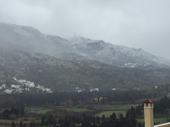 25η Μαρτίου χιονίζει στην Άνδρο