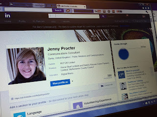 Giving your Linked In profile visual impact