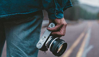 5 Tips Menyimpan Baterai Kamera untuk Dibawa Liburan