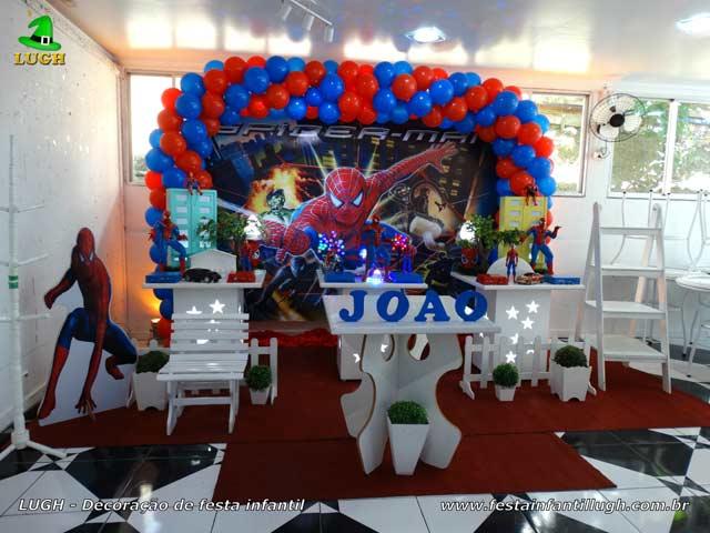 Fotos decoração provençal masculina tema Homem Aranha para festa de aniversário infantil