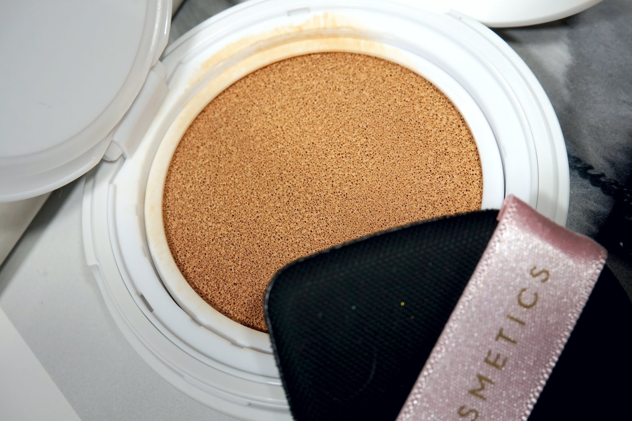 Em Cosmetics Daydream Cushion Foundation Review and Swatches