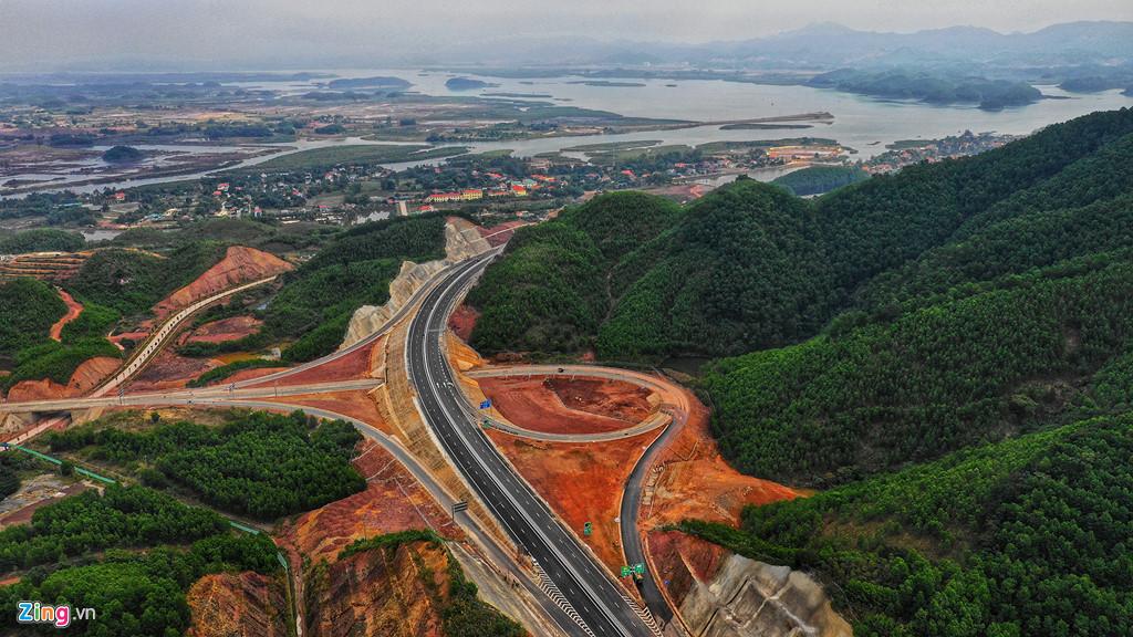 Hình ảnh cao tốc Hạ Long - Vân Đồn nhìn từ trên cao