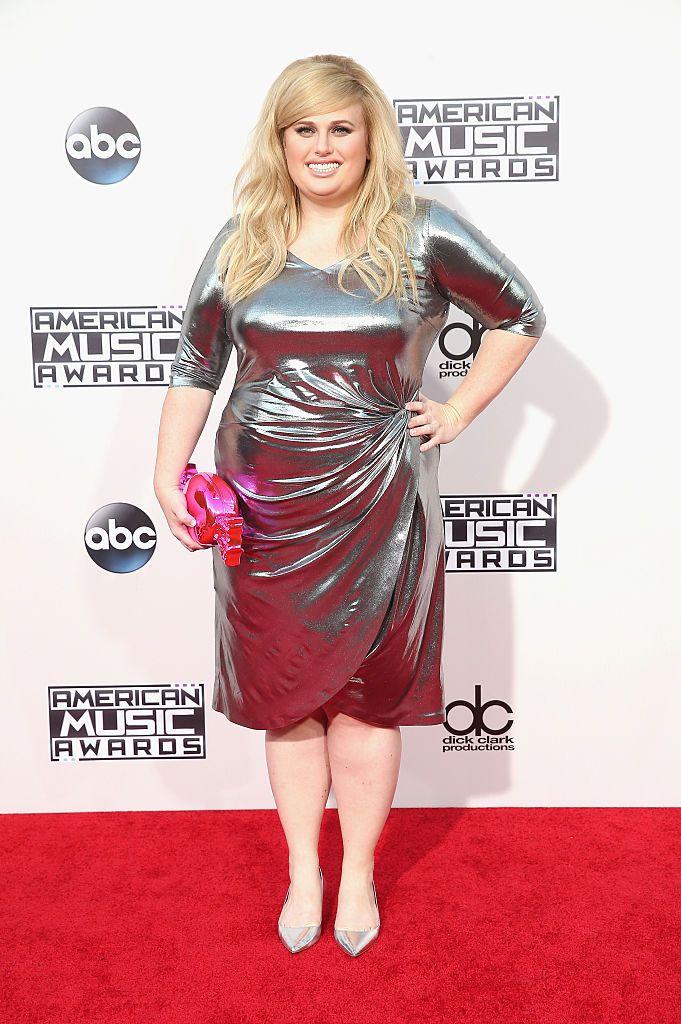 7 looks de festa com vestidos de celebridades para Plus Size (gordinhas)