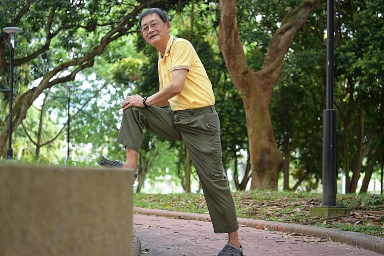 Mr Tan How Lit now skips the bus in favour of walking to markets near his home.