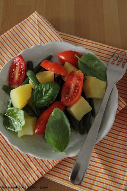 Insalata di patate, pomodori e fagiolini