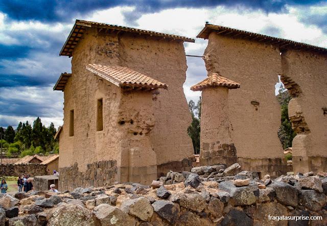 Templo de Wiracocha, Raqchi, Peru, na rota do ônibus turístico entre Puno e Cusco