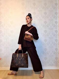 Khánh Vân mix áo bà ba với túi hiệu trăm triệu