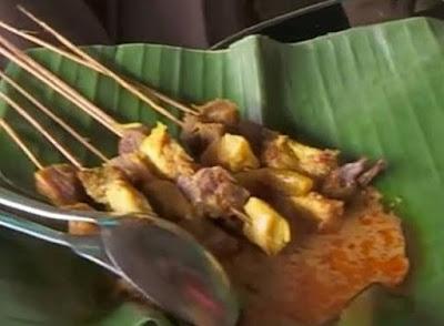 10 TOP KULINER NGAWI; Sate Ayam Godog Mbah Tri Padas;