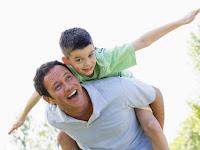 Ayah Tidak Hanya Pencari Nafkah, Inilah Pentingnya Kehadiran Ayah Untuk Anak Menurut Psikolog Evans Garey, S.Psi., M.Si.
