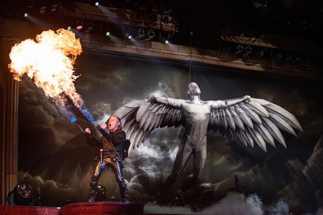 Sunrise: fotos e vídeos do primeiro show da Legacy Of The Beast Tour 2019