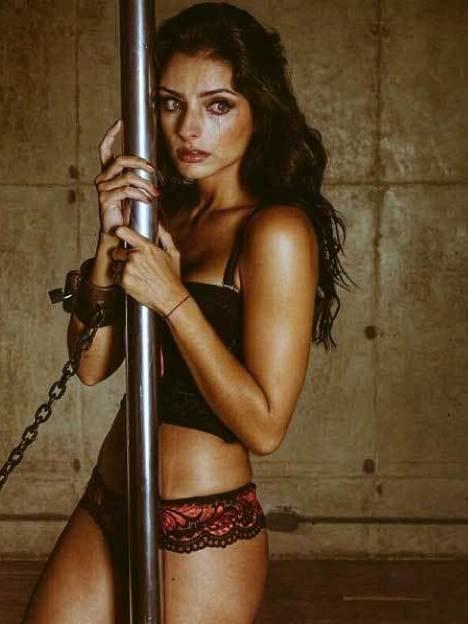 !Aislinn Derbez es una mujer muy sensual! ¡Mira sus fotos! 5.8