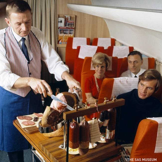 تطور وجبات رحلات الطيران  Flight Meals Evolve