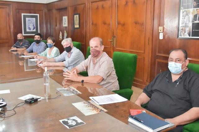 En conferencia de prensa, Pablo Javier Zurro anunció la apertura de nuevas actividades en el partido de Pehuajó