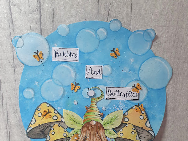 Circle Card Featuring Bubbles And Butterflies Tomte Gnome