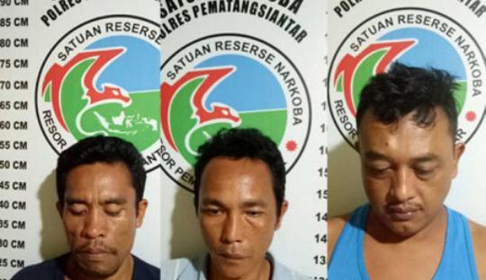 Ketiga tersangka narkoba di Pematangsiantar.