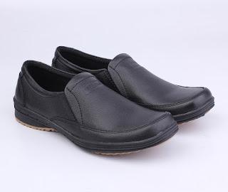 pusat pengrajin sepatu kerja cibaduyut,toko sepatu kerja online murah bandung,grosir sepatu formal kulit asli,gambar sepatu kerja pegawai bank,sepaatu kerja guru pria tanpa tali