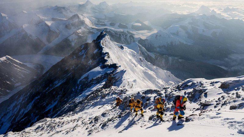 Monte Everest tiene nueva altura