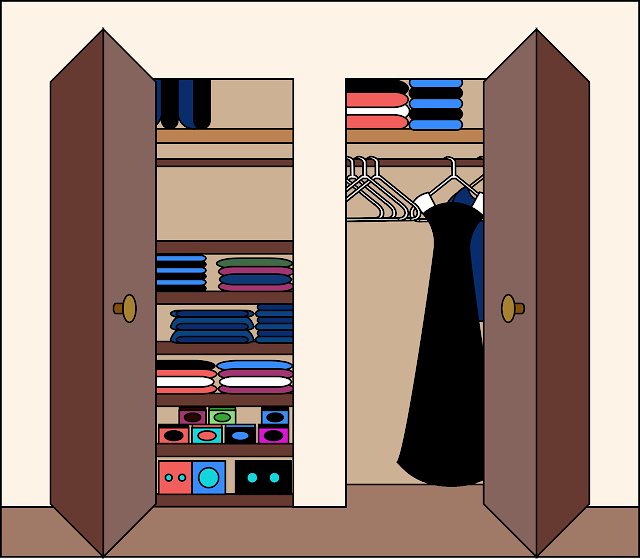 ترتيب  دولاب الملابس