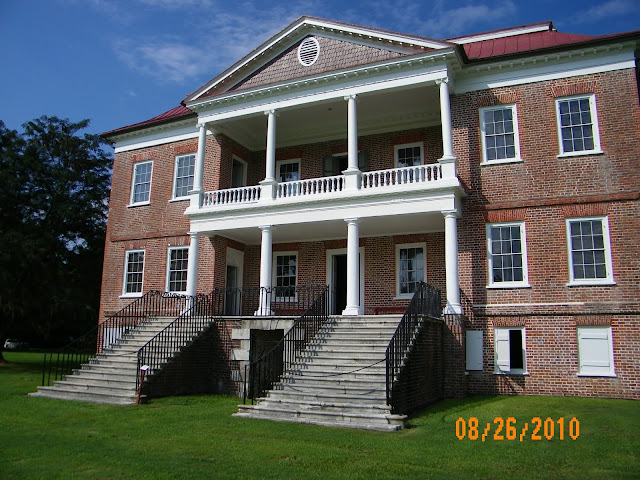 photograph of Drayton Hall