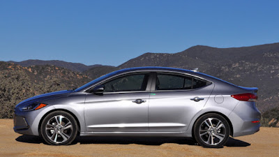 New 2017 Hyundai Elantra side angle Hd Photos