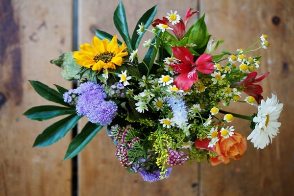 Guide To Keep Flowers Fresh Long.