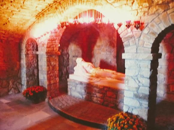 Гошевский Свято-Переображенский монастырь. Подземная базилика. Скульптура Иисуса Христа
