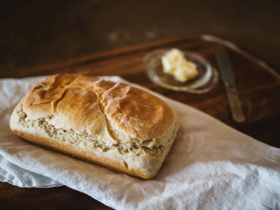 ¿Engorda más la miga del pan o la corteza?