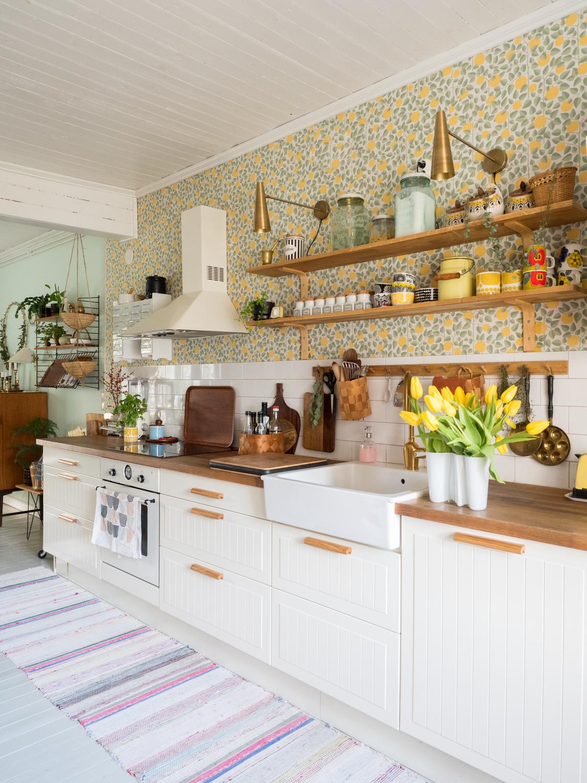 uudet vetimet keittiön kaappeihin