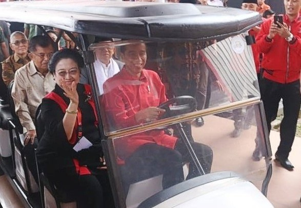 Tak Perlu Tunggu Pilpres Selesai, KPK Harus Telusuri Sumbangan <i>Golfer</i> untuk Jokowi
