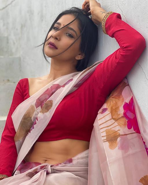 Sakshi Agarwal Very Hot in Floral Saree Photo Stills Actress Trend