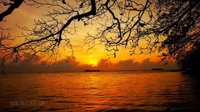 Sunrise Pantai Batu Putih Kemujan Karimunjawa