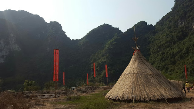 11 foreign bloggers follow Kong's foot step to visit Vietnam 2