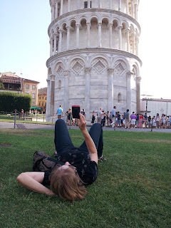 Photographing the Leaning Tower of Pisa