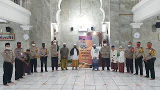 Satu Jam Mengaji Bersama Polisi di Mesjid Jami Al Hidayah