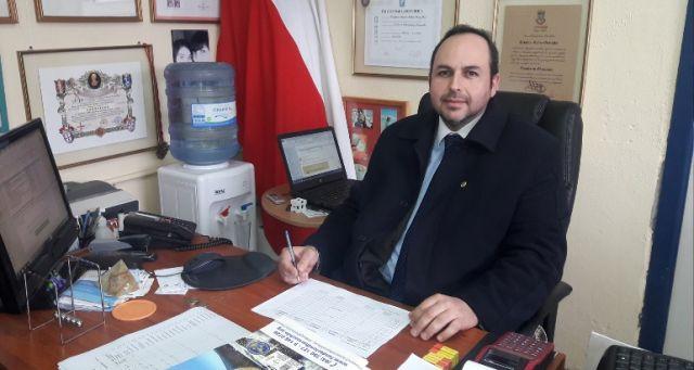 Profesor Cristian Labra González