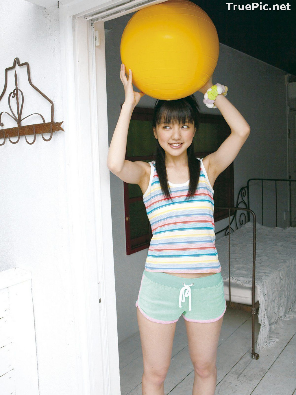 Image Japanese Singer and Actress - Erina Mano - Summer Greeting Photo Set - TruePic.net - Picture-5