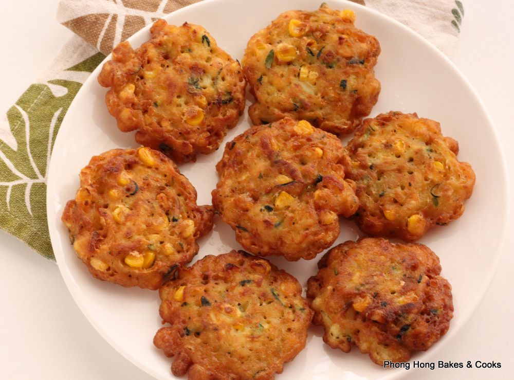 Phong Hong Bakes and Cooks!: Zucchini and Corn Fritters