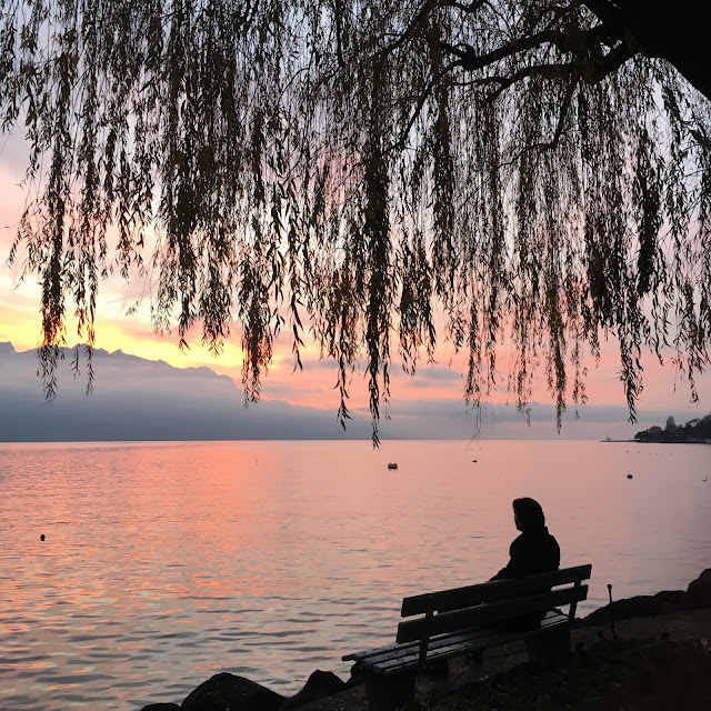 Sunset by Lac Lèman in Montreux, Switzerland