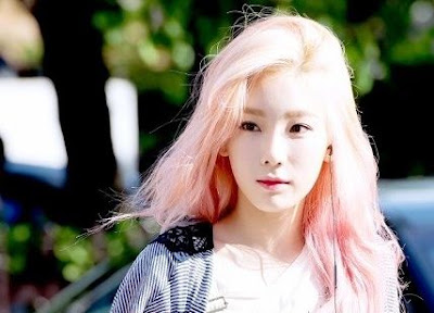 taeyeon_snsd_girlsgeneration_hair_colors_styles_color_contact_lenses