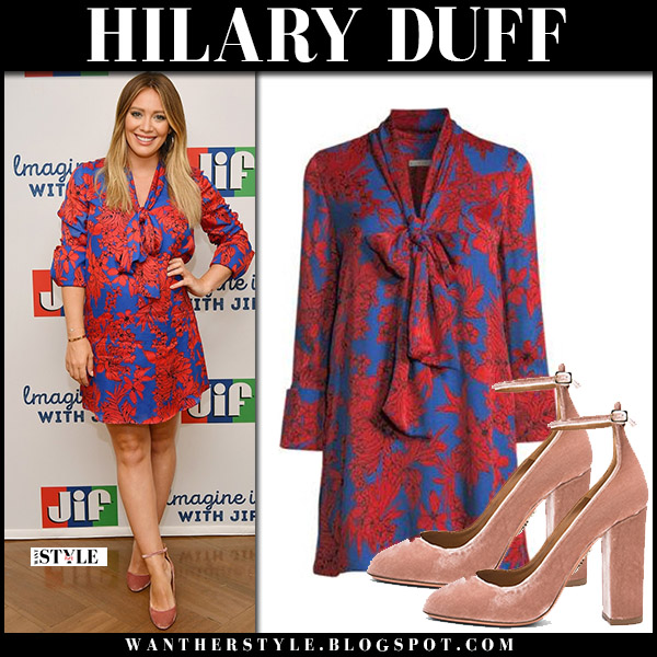 Hilary Duff in red floral print mini dress and velvet pumps aquazzura alix maternity celebrity style august 27